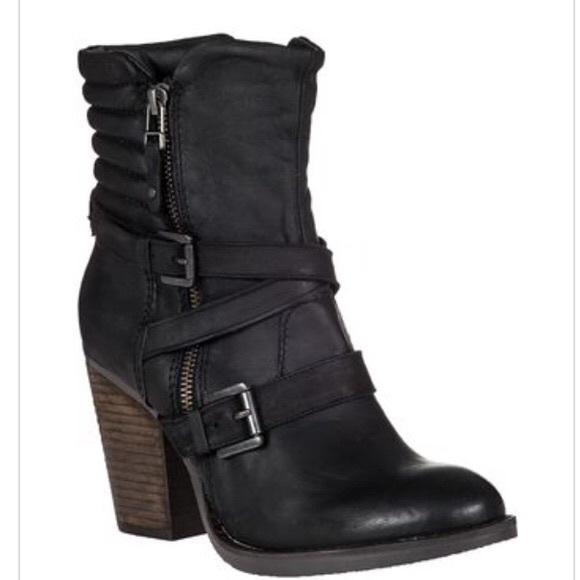 4abb499104b Steve Madden Shoes - Raleigh Leather Boots Steve Madden